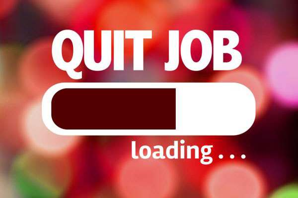 no-you-should-not-quit-your-job-before-securing-a-new-one